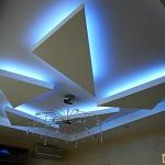 Подвесной потолок из гипсокартона с подсветкой