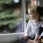 Детские замки на окна пластиковые: их разновидности