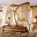Двуспальная кровать с балдахином – её функции и конструктивные особенности