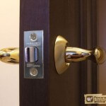 Врезка замка в межкомнатную дверь. Пошаговая инструкция