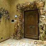 Двери входные деревянные