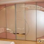Оформление шкафов купе: зеркало, пескоструй, фотопечать
