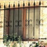 Металлические решетки на окна. Их разновидности
