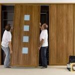 Ремонт встроенной мебели: лакированной поверхности, шпона, петель