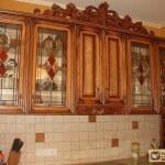 Стекла для кухонных фасадов: их разновидности, преимущества и недостатки