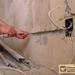 Замена электропроводки своими руками – стоит ли делать самому или доверить специалисту?