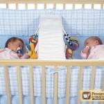Детские кроватки для двойни. На что обратить внимание при их покупке?