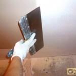 Шпатлевка потолка под покраску: последовательность работ
