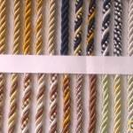 Декоративный шнур для натяжного потолка: разновидности, плюсы и минусы