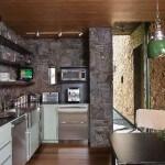 Декоративный камень на кухне: варианты применения, преимущества