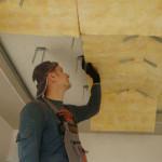Шумоизоляция потолка в квартире под натяжной потолок: материалы и их монтаж